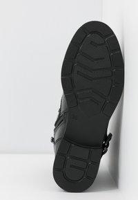 Marco Tozzi - Cowboy/biker ankle boot - black antic - 6