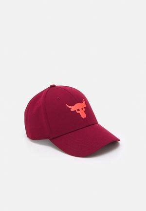 PROJECT ROCK - Cap - red