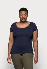 Anna Field Curvy - 3er PACK  - Basic T-shirt - blue/green/black - 7