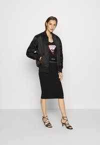 Guess - KAYLA SKIRT - Pencil skirt - jet black - 1
