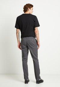 Dickies - 872 SLIM FIT WORK PANT - Chinos - charcoal grey - 2