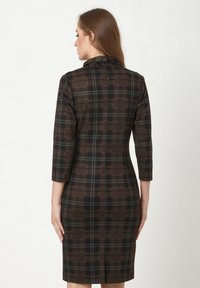 Madam-T - KONTATA - Shift dress - schwarz, senf - 2