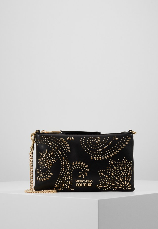 CHAIN WALLET POUCH PAISLEY STUD - Clutches - nero