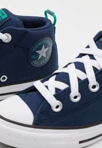 Converse - CHUCK TAYLOR ALL STAR STREET SEASONAL UNISEX - High-top trainers - midnight navy/court green/digital blue - 5