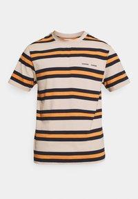 NORSBRO - Print T-shirt - golden ochre