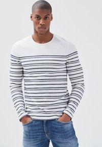 BONOBO Jeans - Long sleeved top - ecru - 3