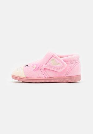 KIKI - Pantoffels - pink