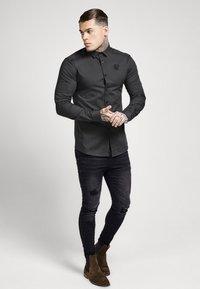 SIKSILK - STRETCH - Overhemd - dark grey - 1