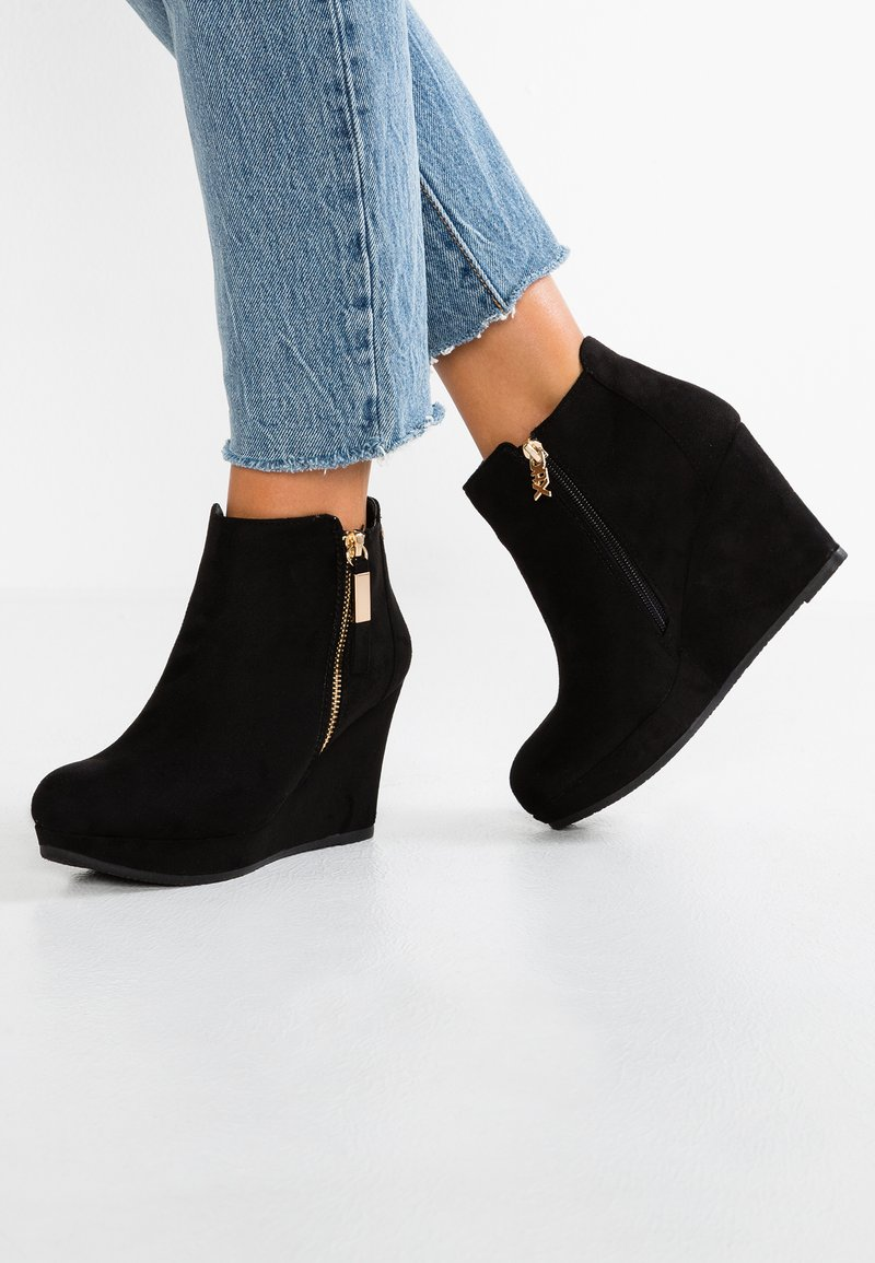 XTI - Ankle boots - black