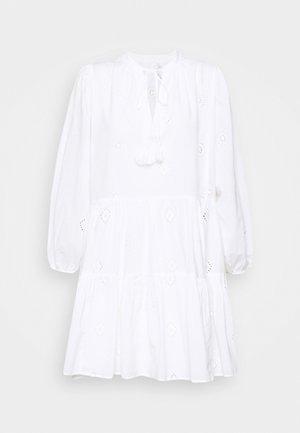 BORA BORA FLORA EMBROIDERY TIERED DRESS - Strandaccessoire - white