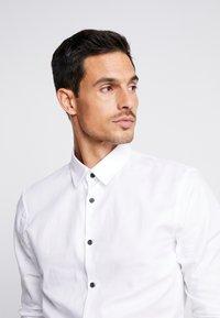 Pier One - Kostymskjorta - white - 3