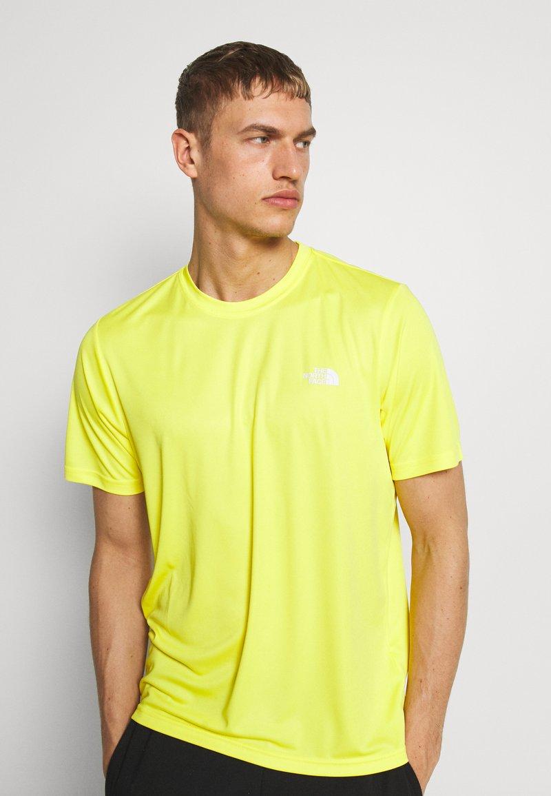 The North Face - MEN'S REAXION AMP CREW - Basic T-shirt - lemon
