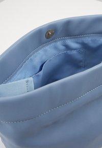 Pieces - PCBEAU CROSS BODY - Across body bag - kentucky blue - 3