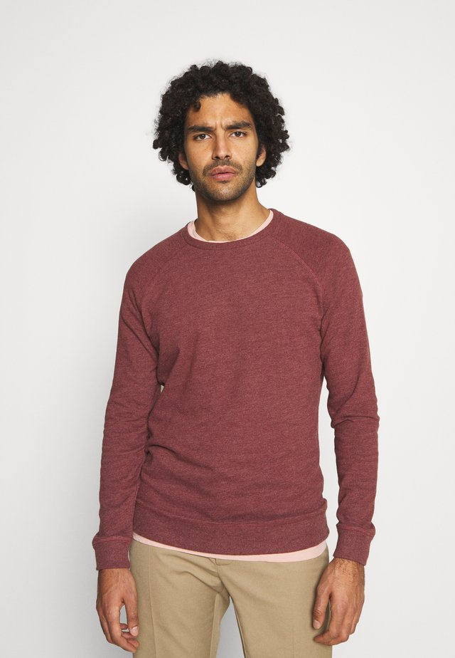 RAGLAN CREW  - Jersey de punto - burnt red