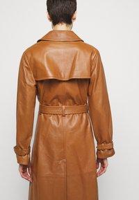 Alberta Ferretti - Trenchcoat - brown - 6