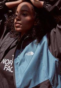 The North Face - FARSIDE JACKET - Hardshellová bunda - mallard blue - 4