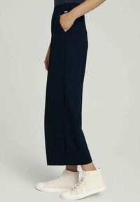 TOM TAILOR DENIM - RELAXED CULOTTE MIT RECYCELTEM - Trousers - dark blue - 5