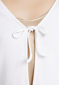 Monki - MATHILDA CARDIGAN - Kardigan - white light - 5