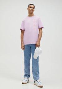 PULL&BEAR - Print T-shirt - dark purple - 1