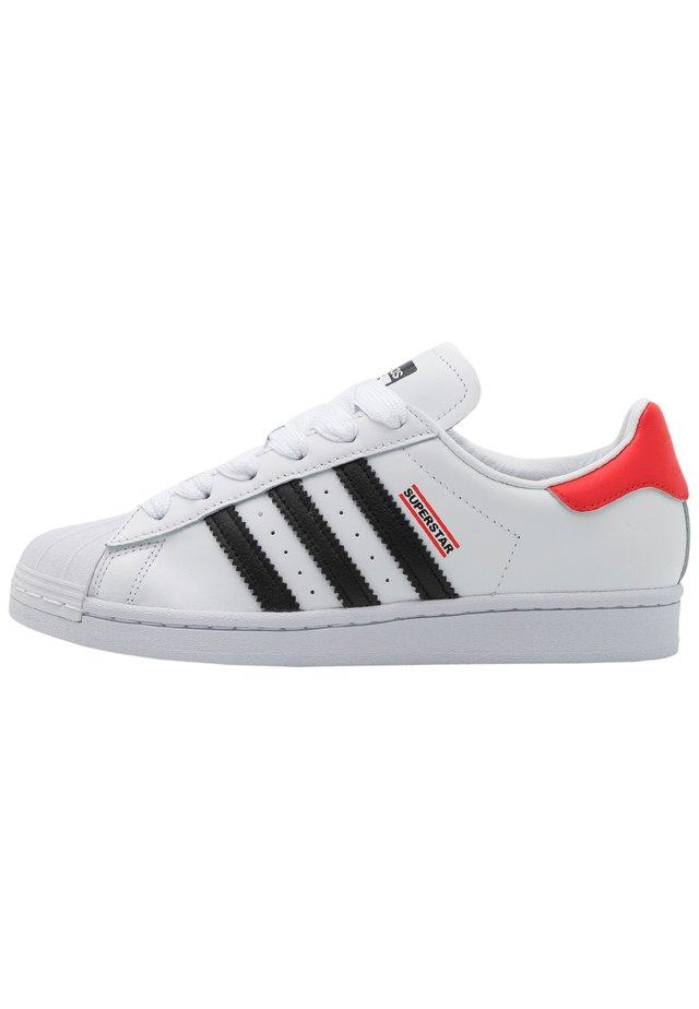 SUPERSTAR 50 RUN DMC UNISEX - Sneakers basse - black/white/red