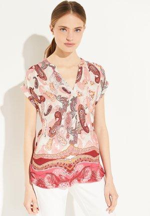 Print T-shirt - rose summer paisley