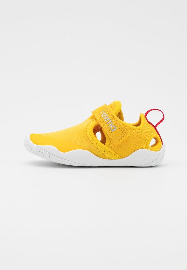 RANTAAN UNISEX - Vandringssandaler - yellow