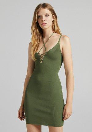 MIT SCHNÜRUNG - Shift dress - khaki
