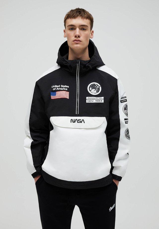 NASA - Větrovka - white