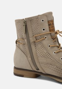 Mustang - Lace-up ankle boots - beige - 5