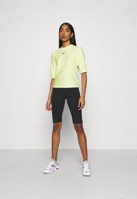 Nike Sportswear - KNEE - Shorts - black - 1