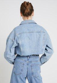 Topshop - HACKED OFF CROP - Denim jacket - blue denim - 2