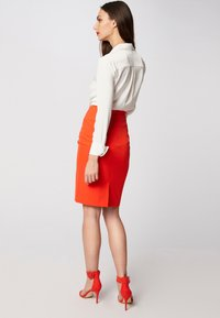 Morgan - Pencil skirt - orange - 2