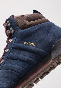 adidas Originals - JAKE BOOT 2.0 - Snørestøvletter - collegiate navy/maroon/brown - 5