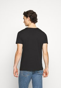 Alpha Industries - BASIC REFLECTIVE - Print T-shirt - black - 2