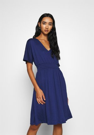 VMRITA SMOCK DRESS - Jersey dress - blue depths