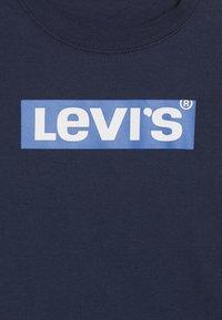 Levi's® - BOX TAB - Topper langermet - dress blues/prince blue - 3