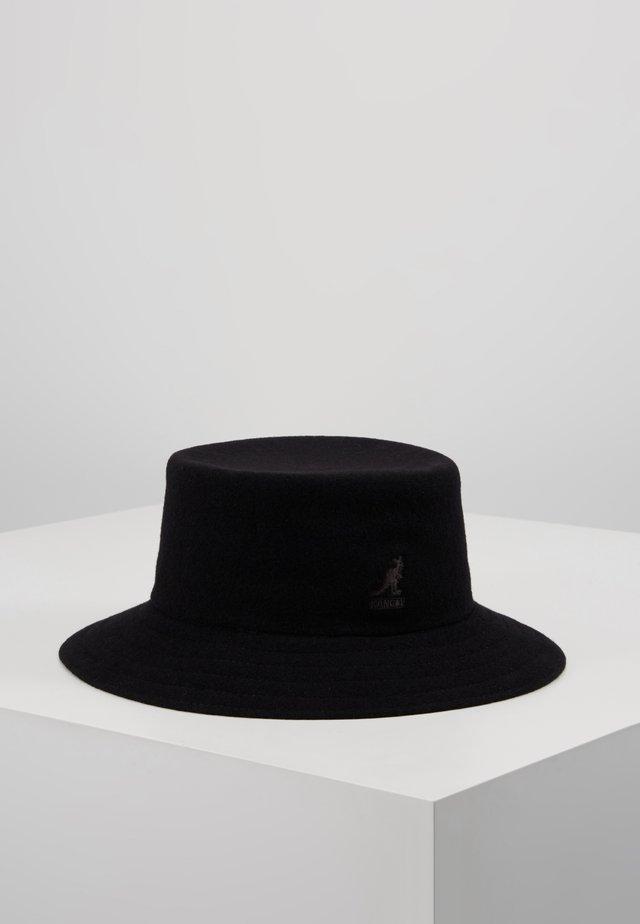 RAP BUCKET - Hat - black