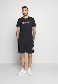 Nike Performance - SHORT CAMO - Korte sportsbukser - black - 1