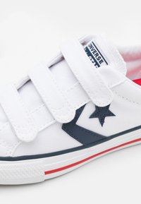 Converse - STAR PLAYER TRIPLE UNISEX - Sneakers laag - white/navy/red - 5