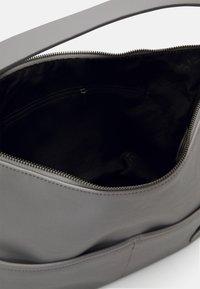 Esprit - LIZ HOBO - Käsilaukku - light grey - 2