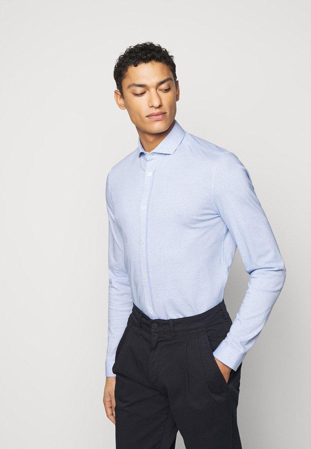 SOLO - Koszula - blau