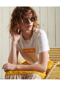 Superdry - CORE LOGO - T-shirt print - brilliant white - 2