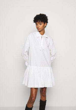 Shirt dress - confident white