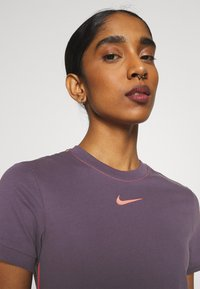 Nike Sportswear - DRESS - Vestido largo - dark raisin/bright mango - 3