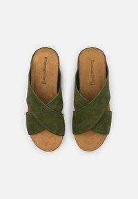 Copenhagen Shoes - FRANCES EDITION - Klapki - army - 5