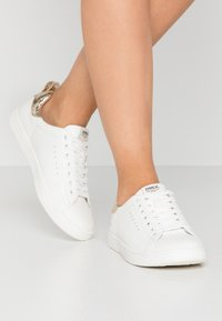 ONLY SHOES - ONLSHILO - Zapatillas - white/gold - 0