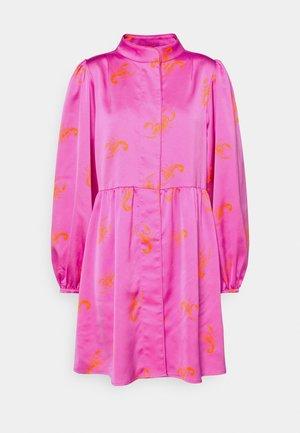 LAVACRAS DRESS - Blousejurk - pink