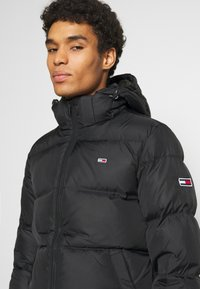 Tommy Jeans - ESSENTIAL JACKET - Kurtka zimowa - black - 4