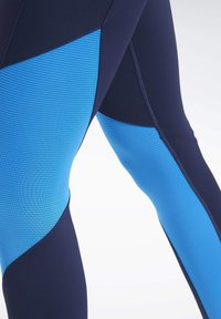Reebok - REEBOK LUX BOLD MESH 2 LEGGINGS - Tights - blue - 4