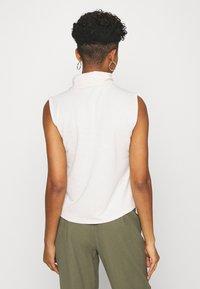 ONLY - ONLLAYLA HIGHNECK  - Print T-shirt - pumice stone - 2